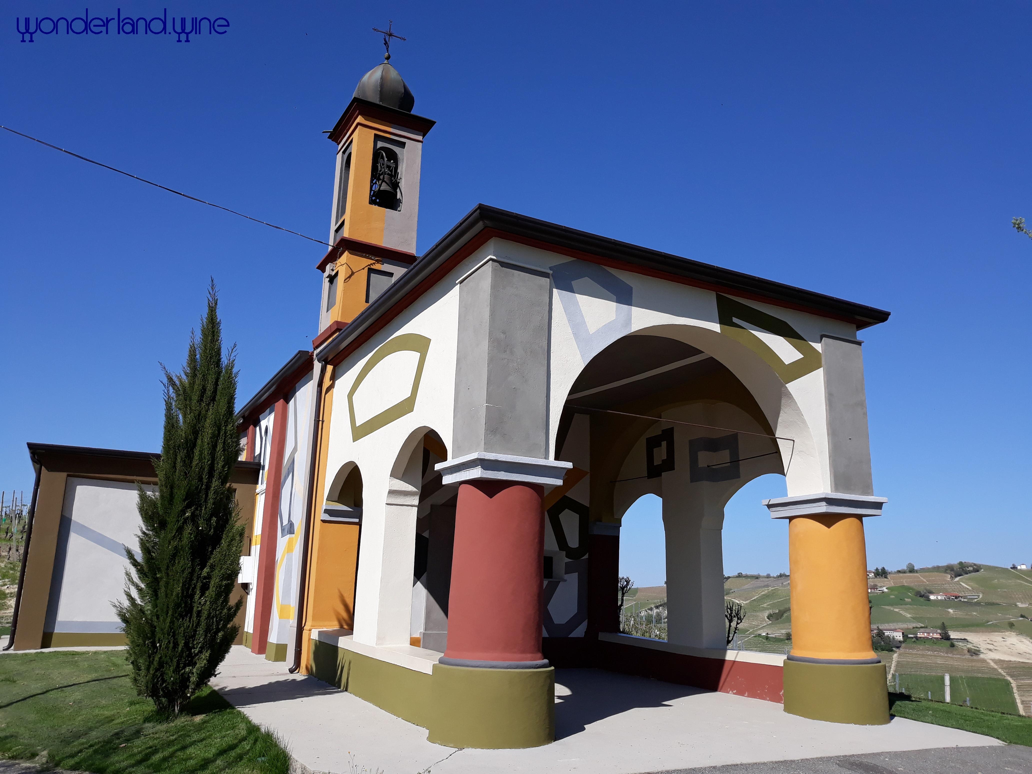 Langhe - gita enogastronomica - Chiesetta di Coazzolo decorata da Tremlett